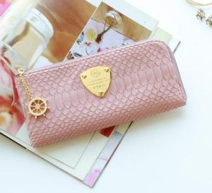 40代女性に人気のアタオ財布