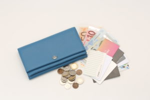 大容量で使いやすい長財布