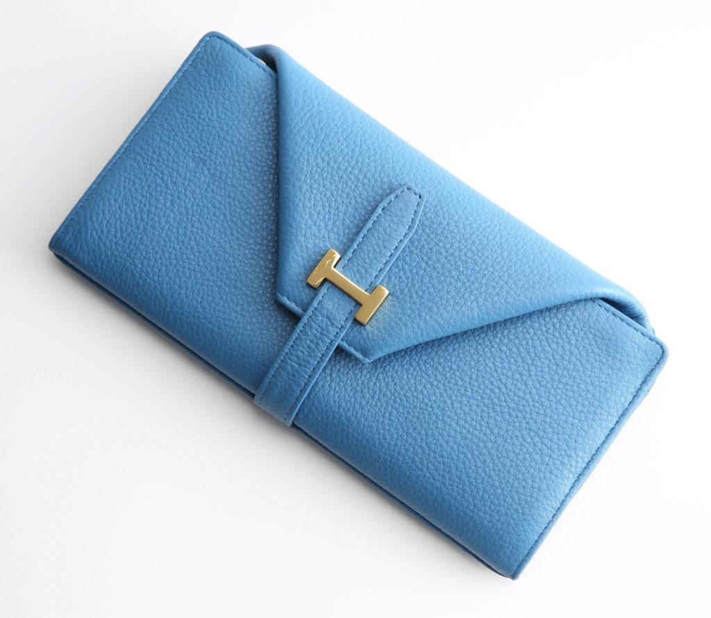 小銭が見やすく取り出しやすい、大容量の使いやすいギャルソン長財布