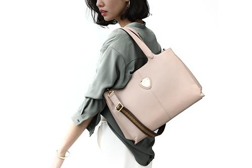 荷物が多くなりがちな30代女性の強い見方「トートバッグ」