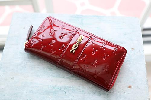 可愛いレディース財布を持つと気分が高まる♪