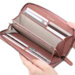 抜群の収納力で使いやすい、ラウンドファスナー長財布